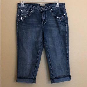 Earl Jean Capri Cuffed Bling Jeans Size 10